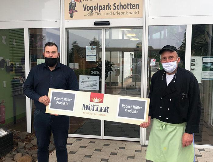 Metzgerei Robert Müller unterstützt Vogelpark – Wurstpaket-Verkauf